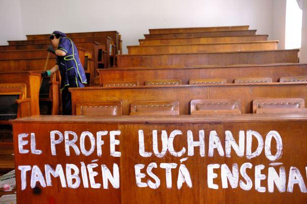 hedy bach photography ~ FUJI x100 ~ Bogotá ~ National Uni ~ 3