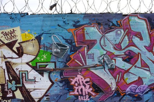 hedy bach photography ~  Bogotá, Colombia ~ Graffiti 2