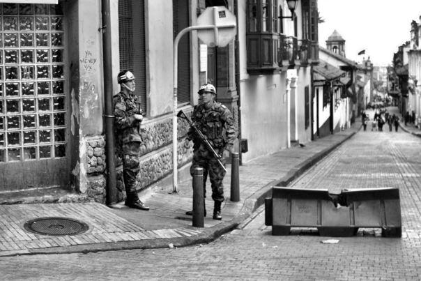 hedy bach photography ~ Bogotá ~ streetlife~ 2