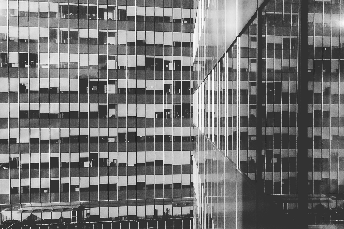 hb images - reflect buildings b-w - 2