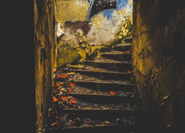 hb images - Porto - abandoned - 1