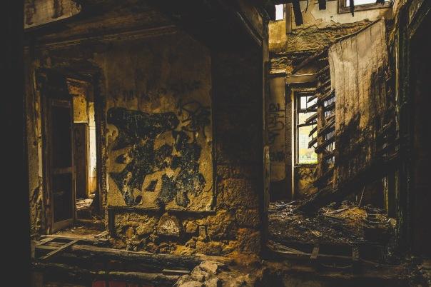 hb images - Porto - abandoned - 5