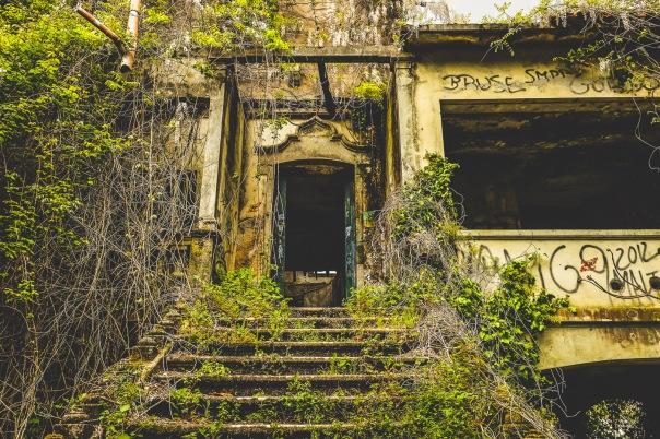 hb images - Porto - abandoned - 8