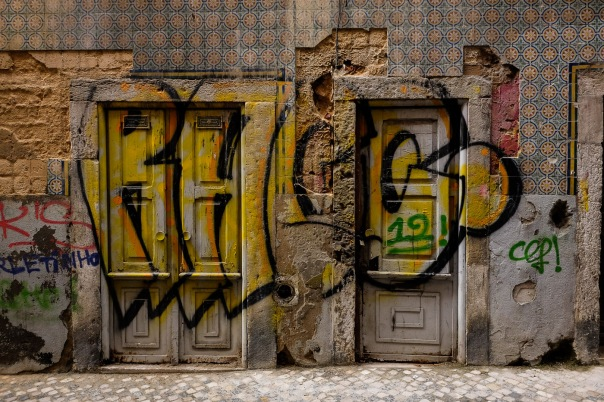 hb images - LIsboa - street and grafitti_
