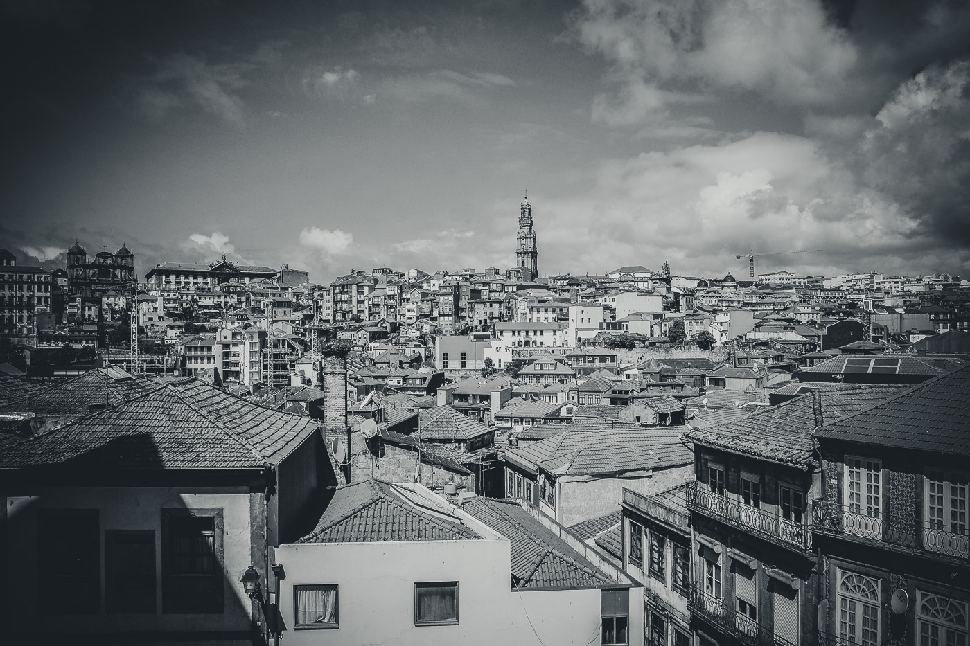 hb images - Porto - b-w street buildings