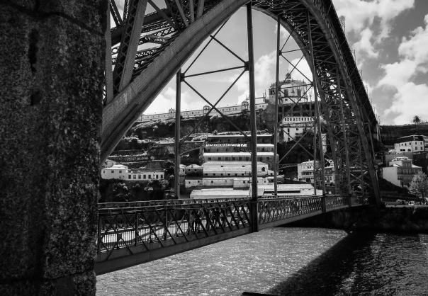 hb images - Porto bridge walk - 10
