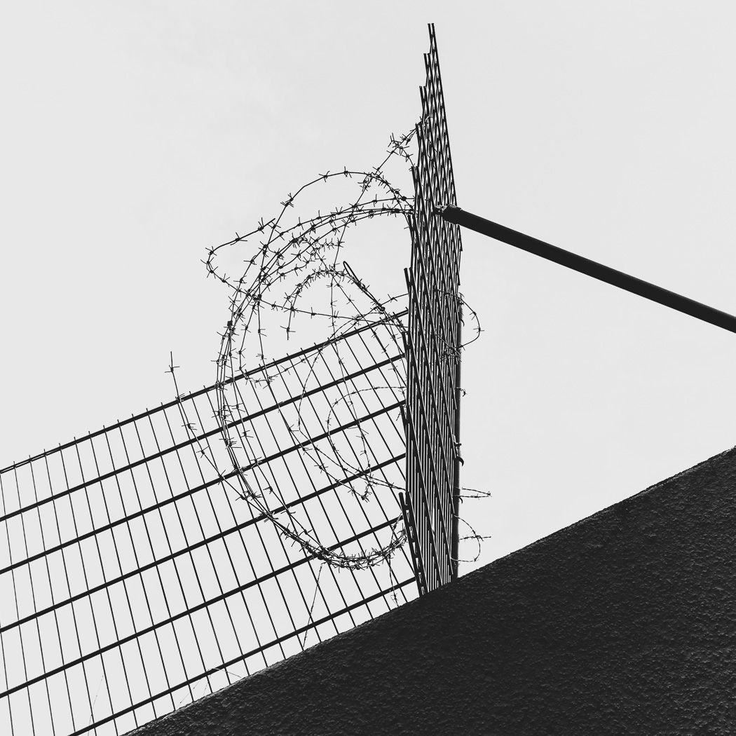 hb images - barb wire - 5