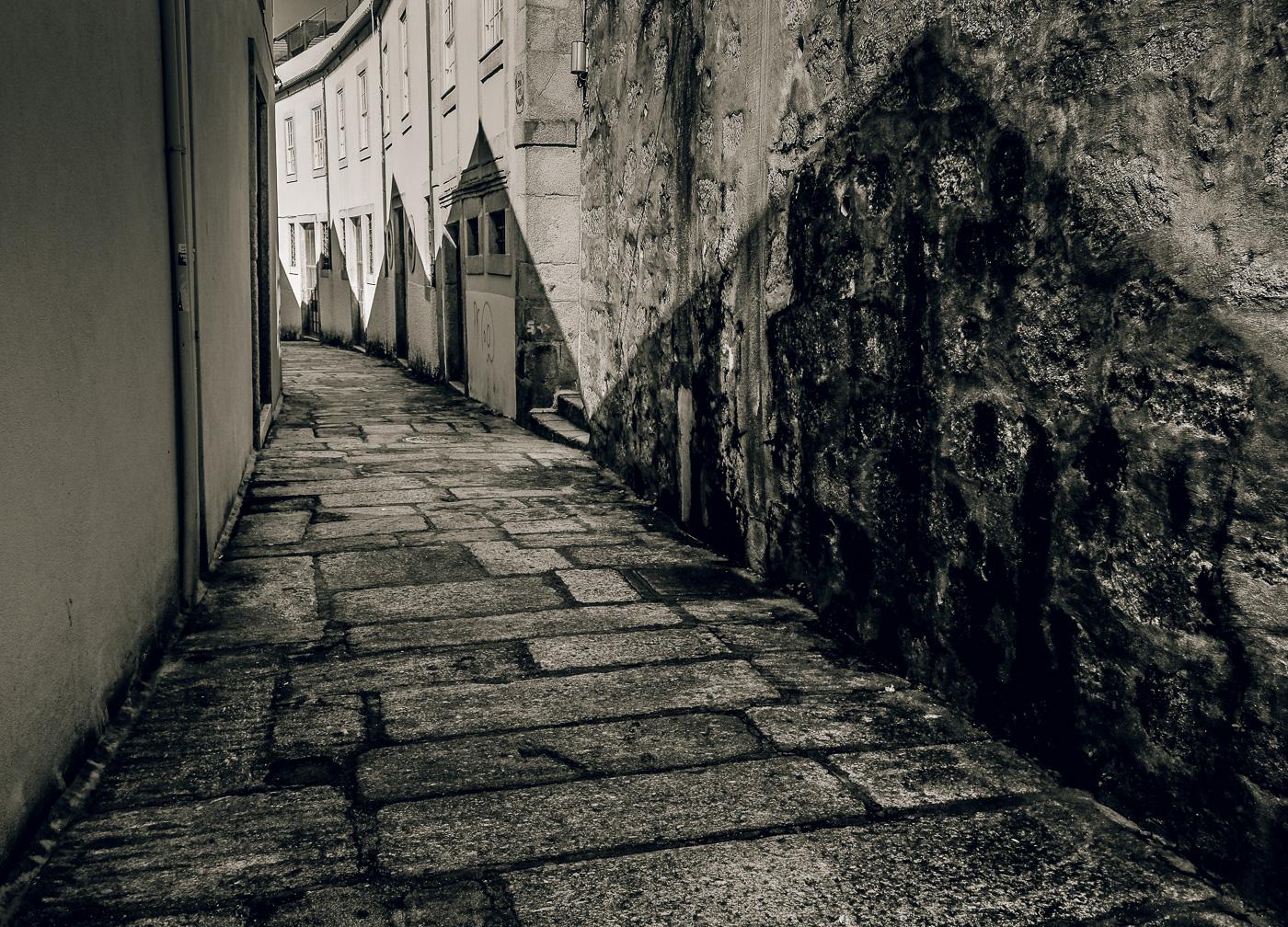hedy bach images - Porto - b-w mem - 1