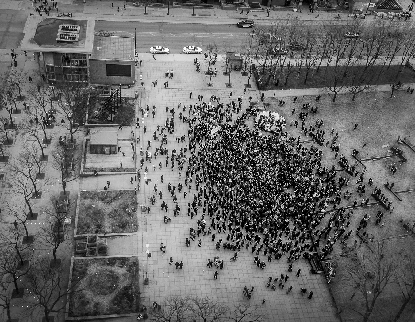 hedy bach images - Montreal protest - 1