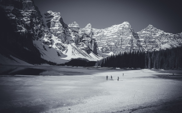hedy bach images - moraine lake - 5